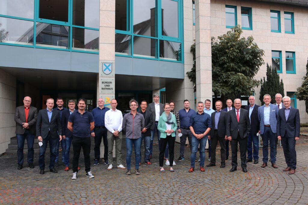 Gruppenfoto der Netzwerkteilnehmer und Partner (WFG HSK)